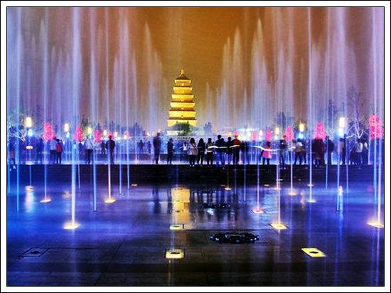 【浣溪沙】西安大雁塔音乐喷泉